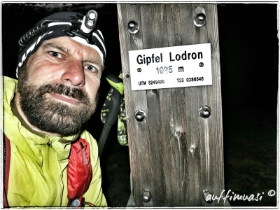Um 23h am Gipfel des Lodron.