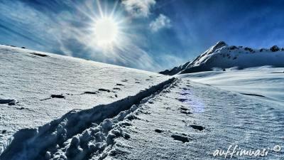 Mit den Tourenski kann man die Berge im Winter ganz anders erleben.