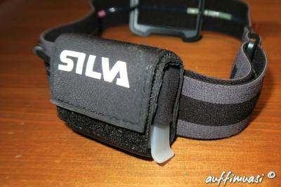 Laden geht mit einem Micro-USB-Kabel